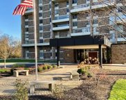 1000 Urlin Avenue Unit 1822, Grandview Heights image
