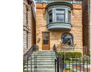 826 West Oakdale Avenue, Chicago image