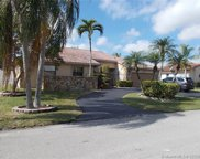 5611 Knighthurst Way, Davie image