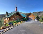 2435 Lower Bluff Way, Sevierville image