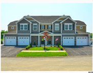 45 WHITAKER DR, Colonie image