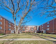 400 Laurel Avenue Unit 2N, Wilmette image
