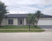 16623 Golfview Dr, Weston image