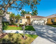 572 Cambridge Dr, Weston image
