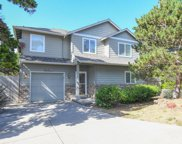 1215 13th St Nw, Lincoln City image
