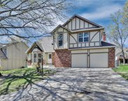 5636 N CLINTON Place, Gladstone image
