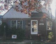 18 Merton  Avenue, Lynbrook image