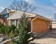 6702 North Kenneth Avenue, Lincolnwood image