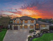 5 Evers  Court, Commack image