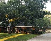 708 Club Oak Drive, River Oaks image