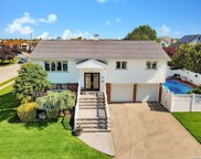 2923 Seaford  Court, Wantagh image