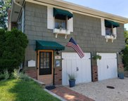 17 Harbor  Rd, Oyster Bay image