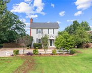 2350 Perrin Creek, Gloucester Point/Hayes image