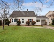 87 Hickory Ln, Levittown image