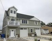 7 Cruiser Court, Toms River image