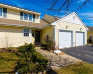 52 Strawberry Comns, Riverhead image