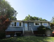 10 Sharon Dr, Patchogue image