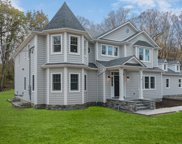 6 Springwood Path, Laurel Hollow image