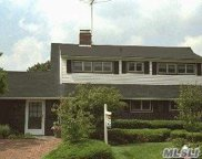 110 Blueberry  Lane, Hicksville image