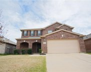 821 Glenndon Drive, Fort Worth image