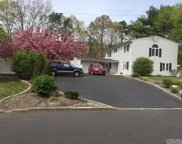 12 Lakeside Dr, Lake Ronkonkoma image