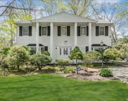 40 Pinewood  Drive, Commack image
