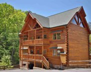 1114 Black Bear Cub Way, Sevierville image