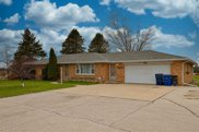 1715 Flowing Wells Court, Suamico image