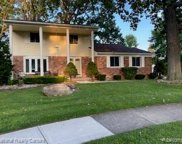 39052 Chantilly Dr, Sterling Heights image