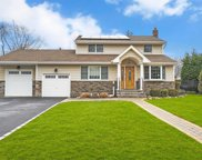29 Marie Cres, Commack image