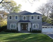 39  Sycamore Drive, Roslyn image