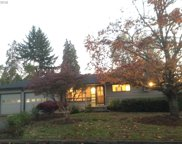 832 GREG  WAY, Eugene image