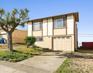 68 Oceanside Dr, Daly City image