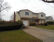 1668 Roland Ave, Wantagh image