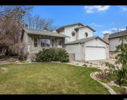 6826 S Pine Knot Dr, Cottonwood Heights image