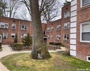 3 Edwards  Street Unit #2F, Roslyn Heights image