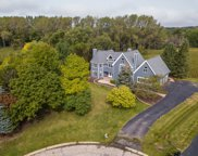 9 Westwind Court, Hawthorn Woods image