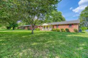 114 Brooklawn Dr, White House image