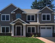 99 Willets  Drive, Syosset image