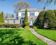 53 Country Club  Drive, Manhasset image