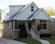 9038 West Forestview Avenue, North Riverside image