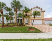 83 Gables Blvd, Weston image