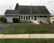 27 Middle Road, Levittown image