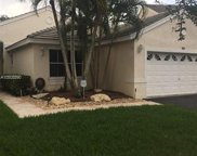 181 E Bayridge Dr, Weston image