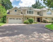130 Redwood Dr, East Hills image