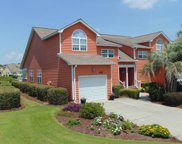 625 Sloop Pointe Lane, Kure Beach image