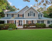 10 Frontier  Trail, Manorville image
