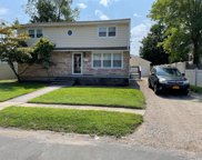 7 Penndale  Drive, Amityville image