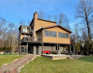 300 Echo Lake, Upper Mt Bethel Township image