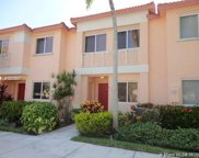 816 Nw 208th Way, Pembroke Pines image